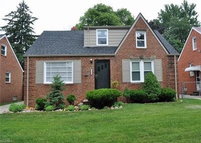 Cleveland Single Family Home For Sale: 14806 Orchard Park Ave