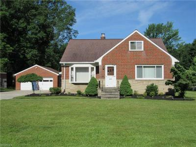 North Olmsted Single Family Home For Sale: 5960 Mackenzie Rd