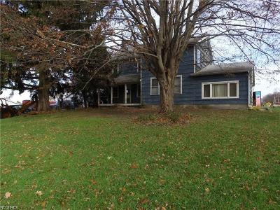 Lake County Single Family Home For Sale: 5211 Chadwick Rd