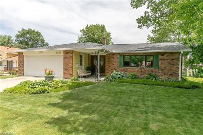 North Olmsted Single Family Home For Sale: 5903 Gareau Dr