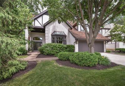 Rocky River Single Family Home For Sale: 1 Warwick Ln