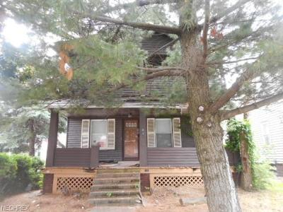 Cleveland Multi Family Home For Sale: 846 Wayside Rd