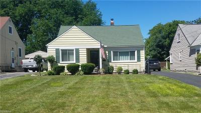 North Olmsted Single Family Home For Sale: 5116 Lucydale Ave