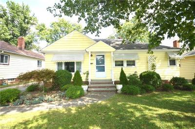 Parma Heights Single Family Home For Sale: 6289 Stratford Dr