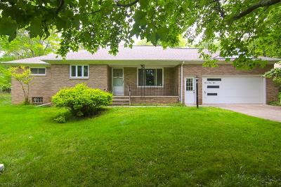 Broadview Heights Single Family Home For Sale: 765 Wolf Dr
