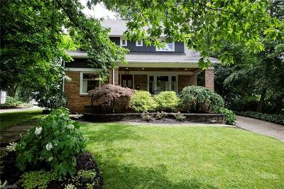 Chagrin Falls Single Family Home For Sale: 171 South Franklin St