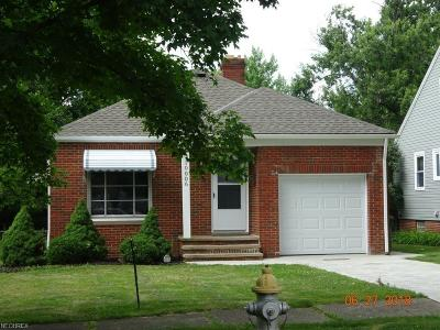 Parma Heights Single Family Home For Sale: 10006 Beaconsfield Dr