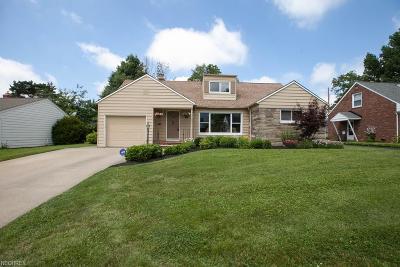 Beachwood Single Family Home For Sale: 23863 Glenhill Dr
