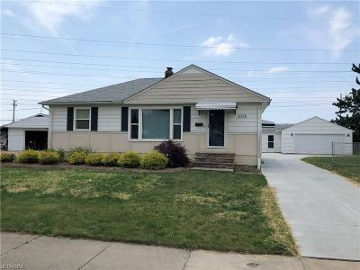 Cuyahoga County Single Family Home For Sale: 5772 Middlebrook Blvd