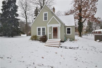 Poland Single Family Home For Sale: 5927 Beechwood Dr