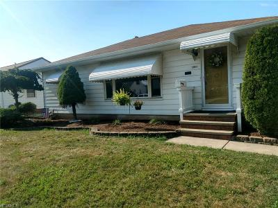 Willowick Single Family Home For Sale: 30041 Oakdale Rd