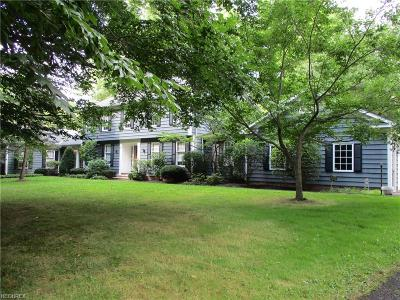 Geauga County Single Family Home For Sale: 16270 Lucky Bell Ln