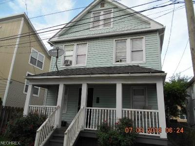 Single Family Home For Sale: 2525 Thurman Ave