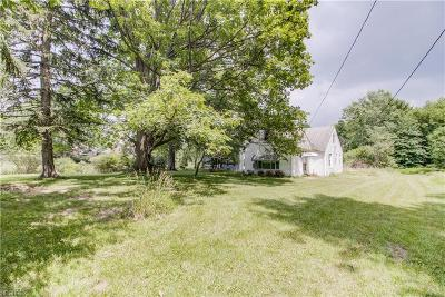 North Royalton Single Family Home For Sale: 9505 Abbey Rd