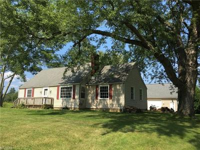 Garrettsville Single Family Home For Sale: 8513 State Route 82