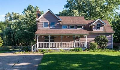 Broadview Heights Single Family Home For Sale: 1165 Royalwood Rd
