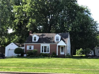 Canfield Single Family Home For Sale: 231 West Main St West