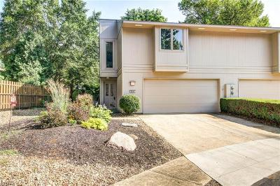 Strongsville Condo/Townhouse For Sale: 8008 Steven David #4230 Dr