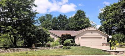 Strongsville Single Family Home For Sale: 10152 Shale Brook Way