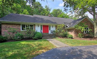Pepper Pike Single Family Home For Sale: 29700 Bolingbrook Rd