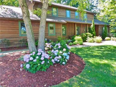 Mentor Single Family Home For Sale: 8013 Buckthorn Dr