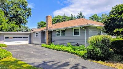 Willoughby Single Family Home For Sale: 4621 Highland Dr