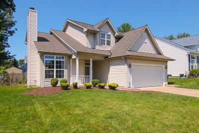 North Olmsted Single Family Home For Sale: 23274 Woodview Dr