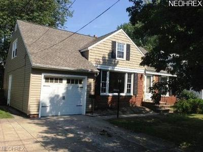 South Euclid Single Family Home For Sale: 1499 Maplegrove Rd