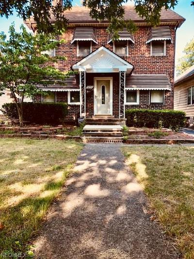 Maple Heights Single Family Home For Sale: 5257 Clement Ave