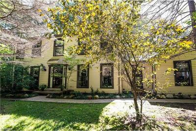 Chardon Single Family Home For Sale: 9265 Hermitage Rd
