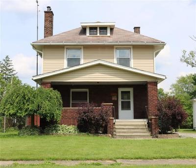 Warren Single Family Home For Sale: 315 Oak Knoll Ave Southeast