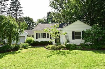 Chagrin Falls Single Family Home For Sale: 115 Fernwood Rd