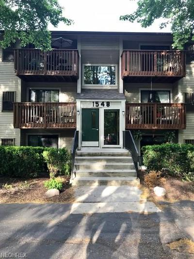 Westlake Condo/Townhouse For Sale: 1548 Cedarwood Dr #353