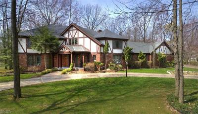 Cuyahoga County Single Family Home For Sale: 1800 Chartley Rd
