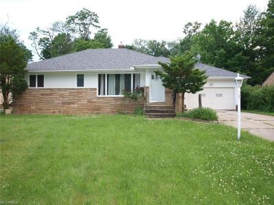 Richmond Heights Single Family Home For Sale: 742 Edgewood Rd