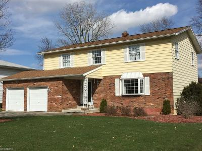 North Olmsted Single Family Home For Sale: 6391 Surrey Dr