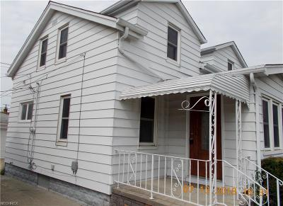 Maple Heights Single Family Home For Sale: 15317 Edgewood Ave
