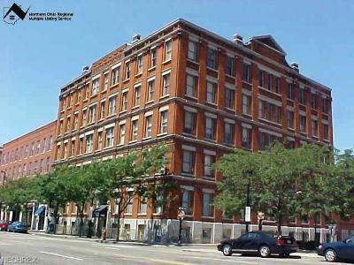 Condo/Townhouse For Sale: 408 West Saint Clair Ave #504
