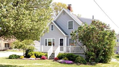 Avon Lake Single Family Home For Sale: 104 Moorewood Ave