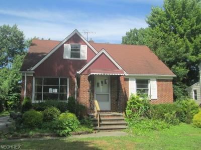 South Euclid Single Family Home For Sale: 1828 Maywood Rd