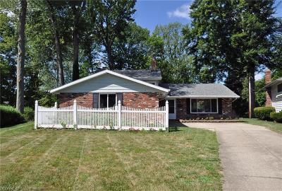 North Olmsted Single Family Home For Sale: 3477 Tree Ln