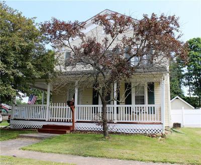 Newton Falls Single Family Home For Sale: 31 Bridge St