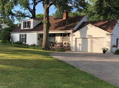 Shaker Heights Single Family Home For Sale: 3151 Green Rd