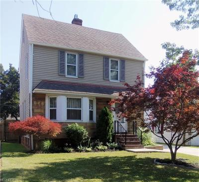 Parma Heights Single Family Home For Sale: 10029 Ackley Rd