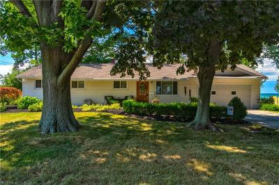 Mentor-On-The-Lake Single Family Home For Sale: 5940 Thunderbird Dr