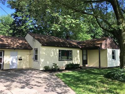 North Olmsted Single Family Home For Sale: 5588 Fitch Rd