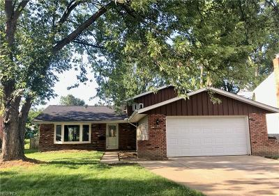 North Olmsted Single Family Home For Sale: 24278 Noreen Dr