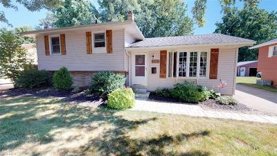 Mentor-On-The-Lake Single Family Home For Sale: 7570 Dahlia Dr