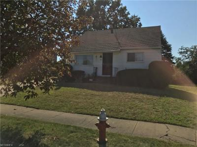 Cleveland Single Family Home For Sale: 678 East 162nd St