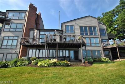 Bay Village Condo/Townhouse For Sale: 351 Darbys Run #2